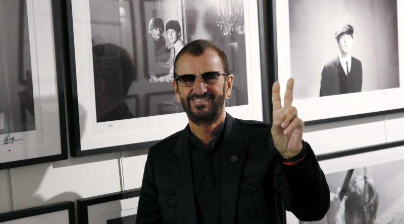 Livro sobre Ringo Starr revela desprezo de colegas por ele