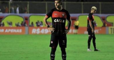 Esporte Buscando se afastar da zona de rebaixamento, Vitória recebe o Corinthians no Barradão