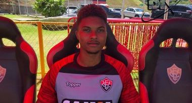Convocado para a Seleção Sub-20, Lucas Ribeiro desfalca Vitória contra a Chapecoense